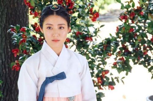 foto nam ji-hyun